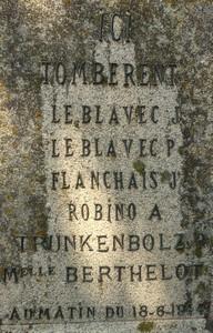 Sur la stèle du Bois-Joli en Saint-Marcel